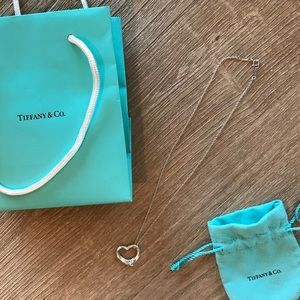 LIKE NEW TIFFANY HEART PENDANT